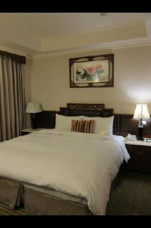 Beauty Hotels Taipei - Starbeauty Resort: king size bed