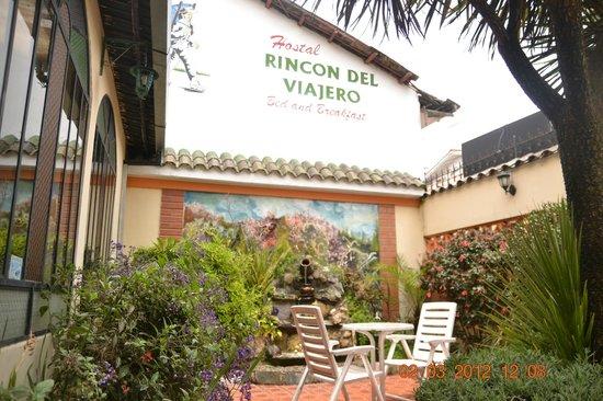 Hostal Rincon del Viajero: Front Entrance Garden