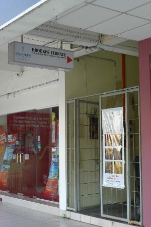 Brooks Terrace : Front Entrance