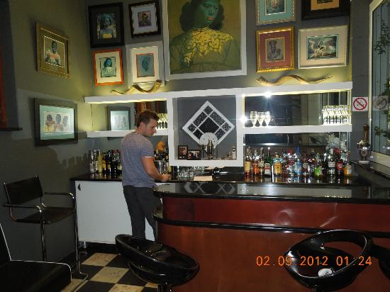 Head South Lodge: Self-Service Bar