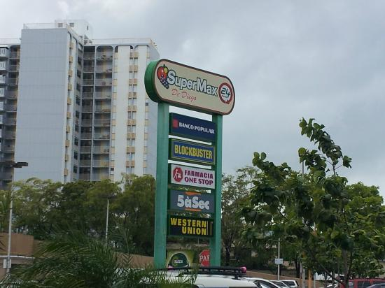 Doubletree by Hilton San Juan: The grocery store complex by the hotel