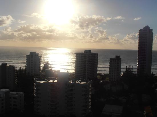 Crowne Plaza Surfers Paradise: the view of the ocean