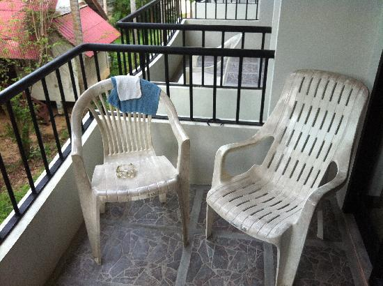 Coconut Beach Resort : Mismatching Balcony Furniture