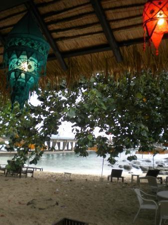 Shantaa Koh Kood : Le petit bout de plage, trop près des bateaux