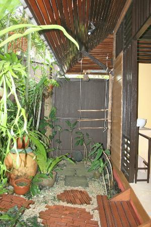Shantaa Koh Kood: Douche extérieure