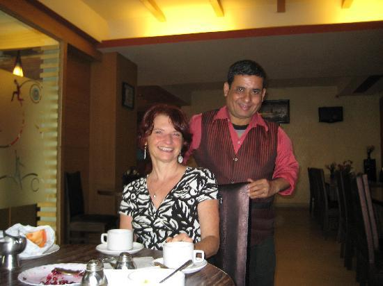 Hotel La Vista: Gopal, the waiter in the restaurant