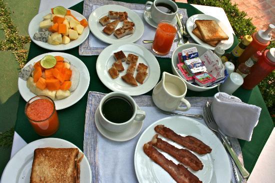 Luang Prabang Residence : Petit-déjeuner