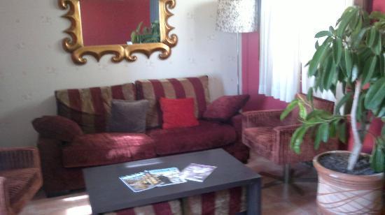 Rural Hotel Restaurant La Fasana : salita 2º piso comunitaria