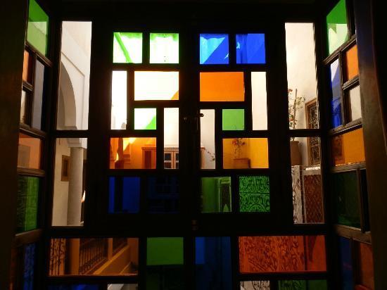 Riad Sidi Mimoune: Menzet ( balconnet)