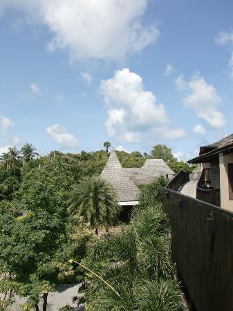 Silavadee Pool Spa Resort: Sicht auf die Lobby