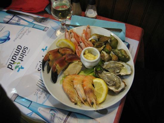 Brasserie La Pierre - Chez Edwige : assiette fruit mer