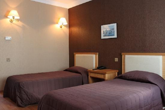 Hotel Rena: twinbad room