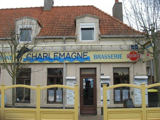 Le Charlemagne : façade resto