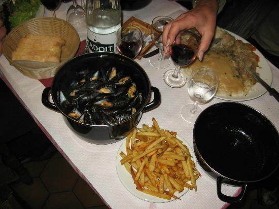 Le Charlemagne : moules frites