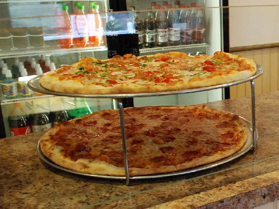 Pizza in the Valley: Wildly Tasty Pizza Ready for Slices