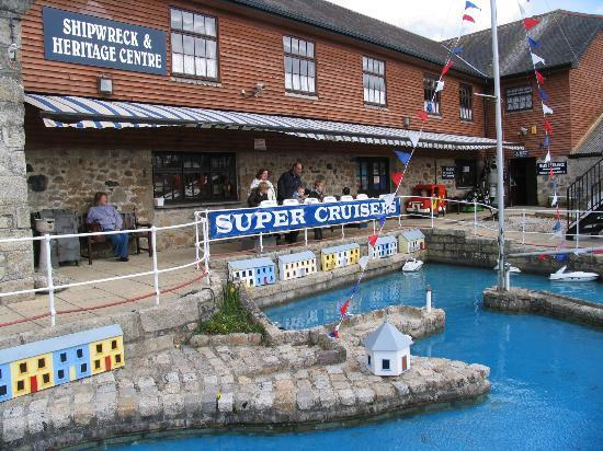 Charlestown Shipwreck & Heritage Centre: Kids enjoyed controlling the boats