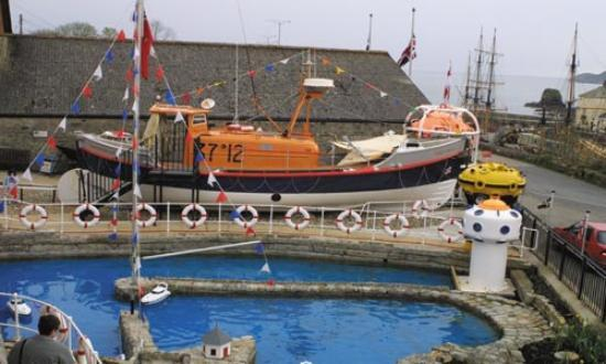 Charlestown Shipwreck & Heritage Centre : Amelia - the Lifeboat from Scarborough