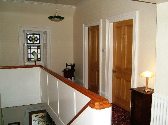 Fernlea Guest House: Upstairs landing