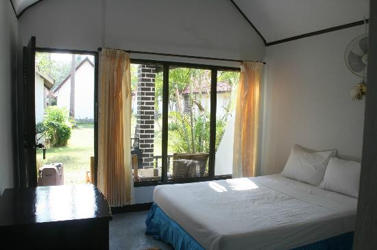Klong Khong Beach Resort: Bungalow ventilo (F1)