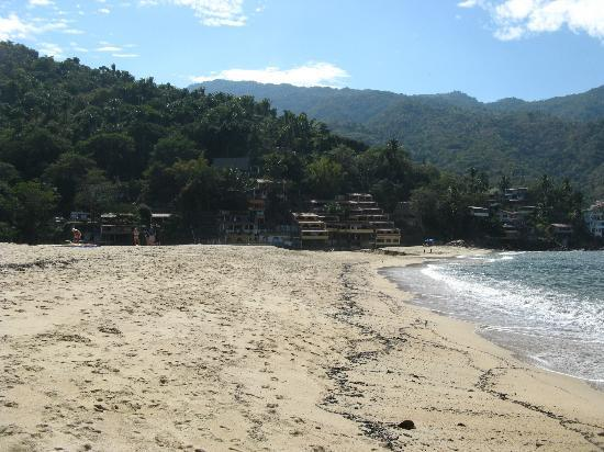 Garcia Rentals : Garcias is the yellow building with about 15 casas right on the  beach closest to the village