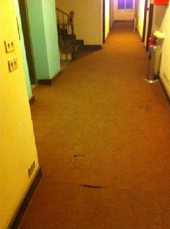 Queens Valley Hotel Luxor: hallway