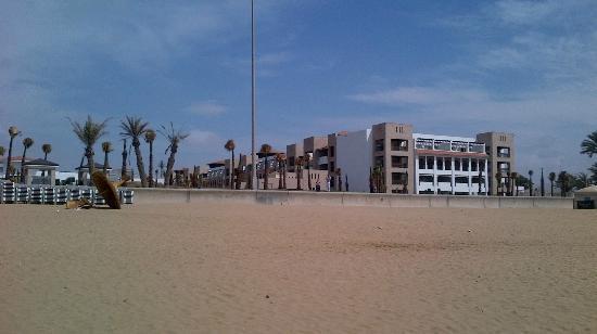 Hotel Riu Palace Tikida Agadir: View of the hotel from the beach