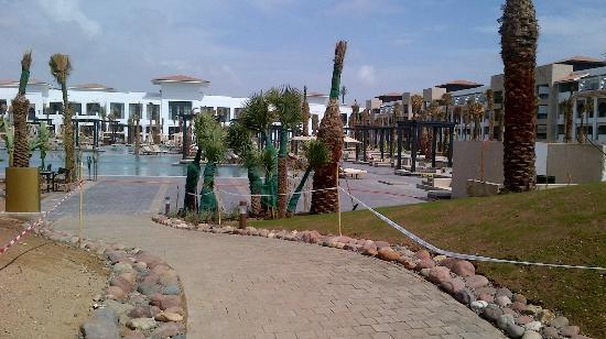 Hotel Riu Palace Tikida Agadir: View walking in from the beach