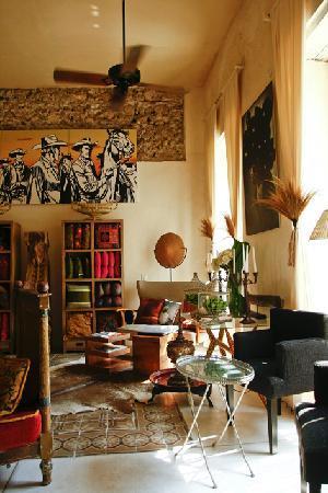 Hotel Casa Lola: Recepcion.