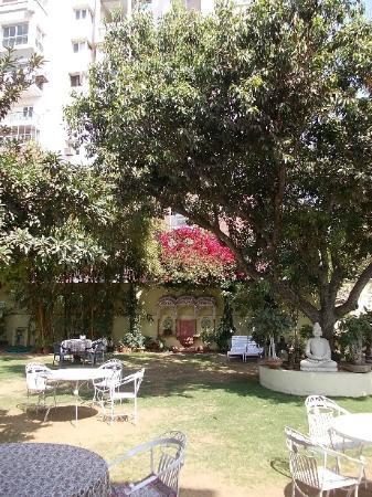 Hotel Anuraag Villa: Il giardino0