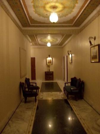 Hotel Anuraag Villa: Corridoio