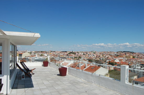 The House: Lisboa at your feet on the Terrace