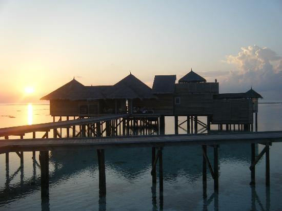 Gili Lankanfushi Maldives: Villa 32 sunrise