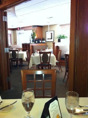 Schlesinger's Steakhouse : The main dining room