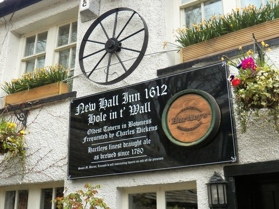 Hole in t'Wall : Pub Sign