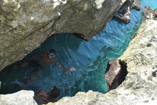 Sol Caribe Sea Flower Hotel : Grieta en el Hoyo soplador