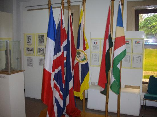 Seychelles Natural History Museum: Seychelles history through flags