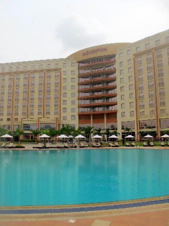 Movenpick Ambador Hotel Accra Piscine
