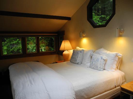 """St. Orres: Bed """"loft"""" in Rose Cottage"""