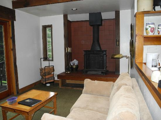 St. Orres: Wood stove in living area