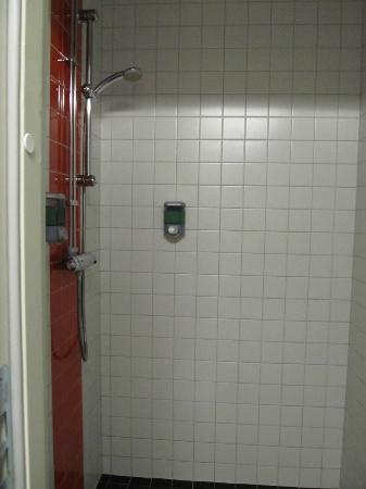 Connect Hotel Stockholm : shower