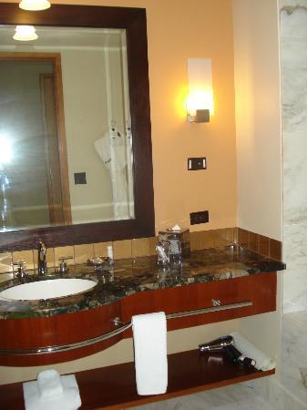marble bathroom counter