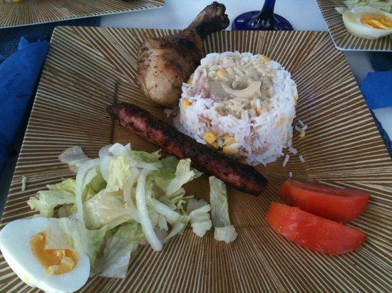 St Martin Catamarans Charters :                                     le déjeuner