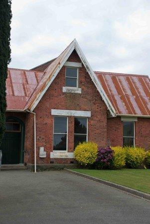 St. John's Anglican Church: Classical church buildings