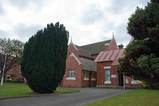 St. John's Anglican Church: Tay Street side of St. John's