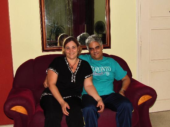 Casa Maura Habana Vieja: Maura y Orlando ¡EXCELENTES PERSONAS!