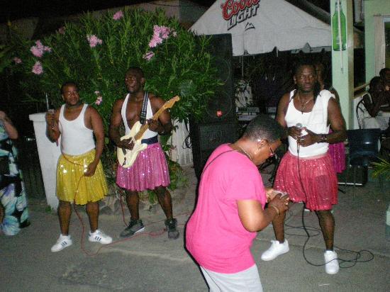 Les Mardis de Grand Case (Harmony Night): Dance music, shake it up!!
