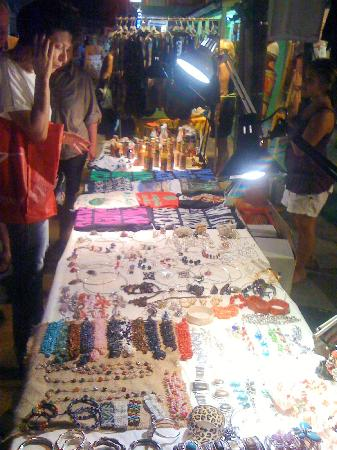 FITBOARD : Crafts...lots of fun jewelry, clothing, T-shirts