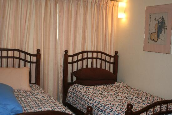 Sri Sayang Resort Service Apartment: SS16-04: Twin bedroom.