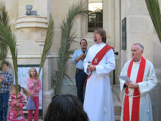 Christ Church Guest House: Beginning of Palm Sunday procession