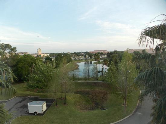 Hampton Inn Orlando/Lake Buena Vista: View from room on 5th floor (room 534)